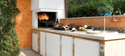 Style provençal pour une cuisine extérieure conçue sur mesure